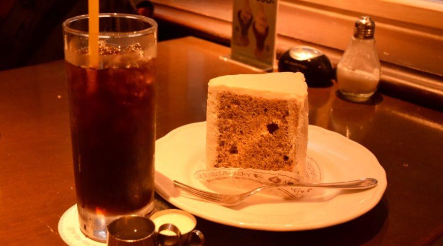 現代企業社のお店ファウスト 紅茶シフォンケーキとコーヒー