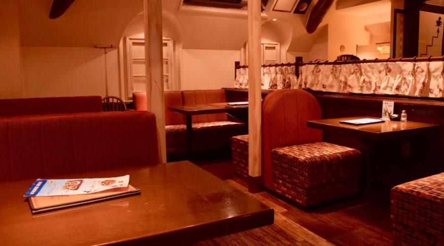 現代企業社のお店ファウスト 2階席