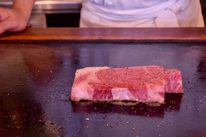 【ステーキハウス小で毬】和牛サーロイン調理