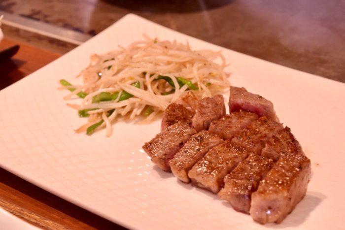 【ステーキハウス小で毬】和牛サーロインステーキと鉄板野菜炒め