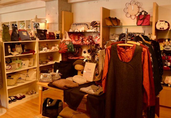 アトラクトイーエムの服飾商品
