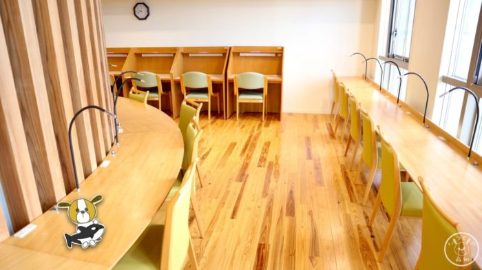 塩見プラザの学習室