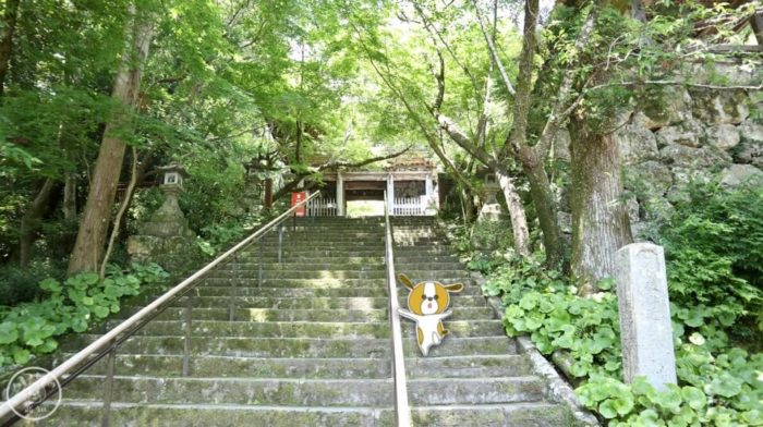 五台山竹林寺の正門