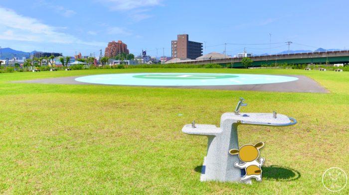 弥右衛門公園の展望広場とヘリポート